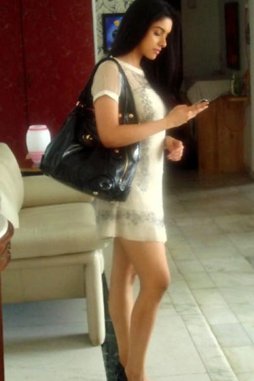 She is good in modern dresses too...!