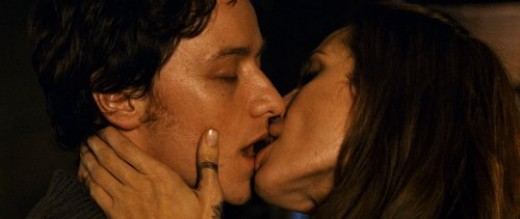 James McAvoy kissing Angelina Jolie in Wanted