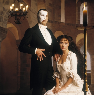 Michael Crawford as Erik (The Phantom) and Sarah Brightman as Christine Daae in the 1986 onstage musical.