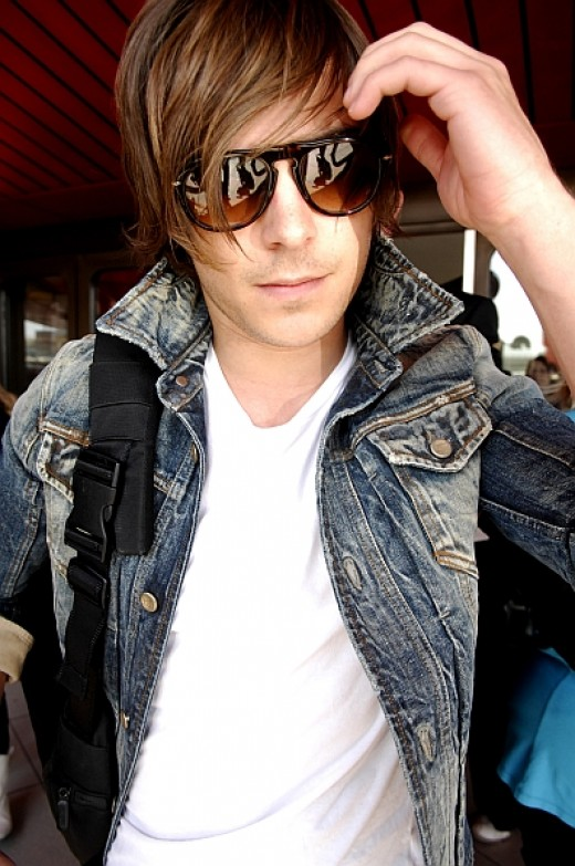 I apparently have a thing for Zac Efron in sunglasses.