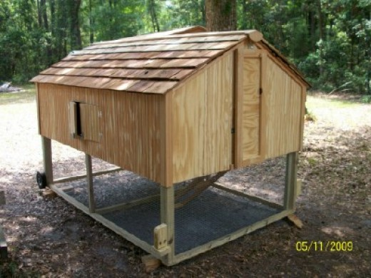 Chicken Coop Tractor holds 12-15 hens - 8ft x 5ft x 5ft
