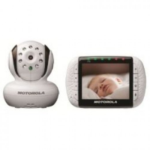 Motorola MBP36 Remote Wireless Video Baby Monitor with Infrared Night Vision and Zoom