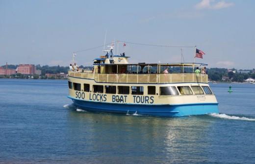 Soo locks boat tour