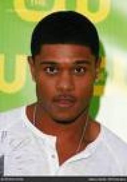 Pooch Hall - Derwin Davis a NFL Football Player