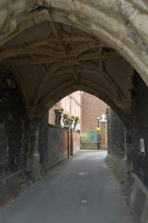 Archway through to Millers Green and Palace Yard from the Cathedral side