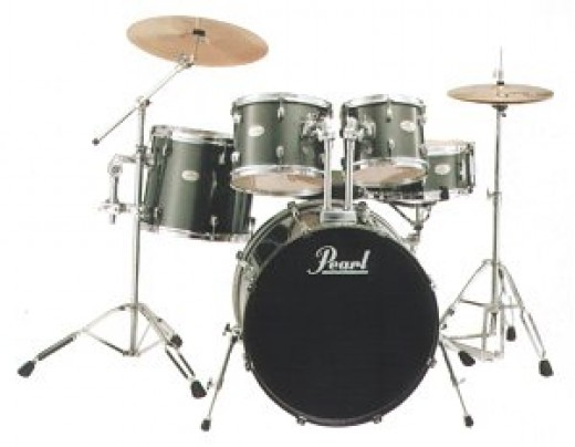 Pearl Forum £283 / $429 -  Pearl kits are the best known brand and used by pro drummers the world over.  This company is a hugely successful drum kit manufacturer and there beginner drum kits really give the non brand names a run for there money.  Yo