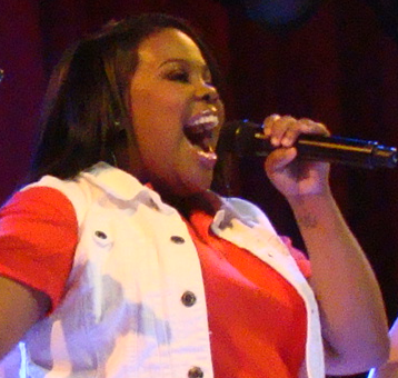Amber Riley has some voice.