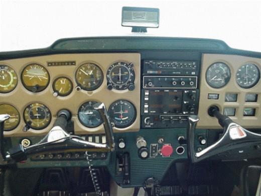 How to become a pilot .Cessna 150 cockpit