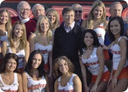Nerds (including Bill Gates) at Hooters