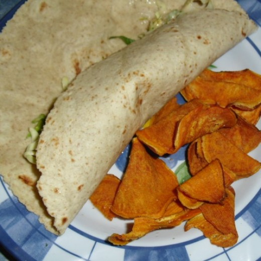 These low-carb wraps are enriched with oat bran -- insoluble fiber!