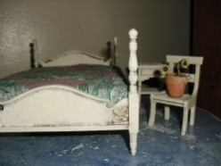 Cottage Style Dollhouse Furniture: Distressed Ivory