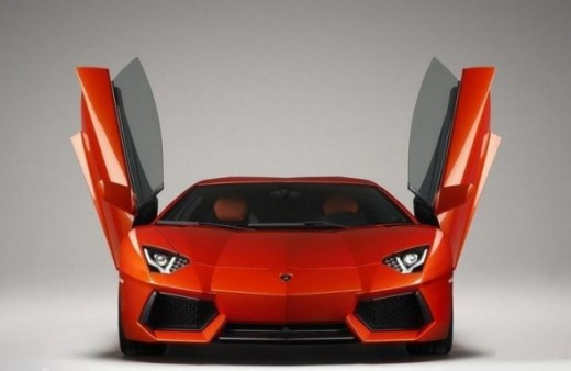 The top speed car - Lamborghini Aventador LP700-4