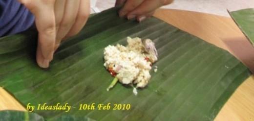 Roll the tofu & mushroom mix