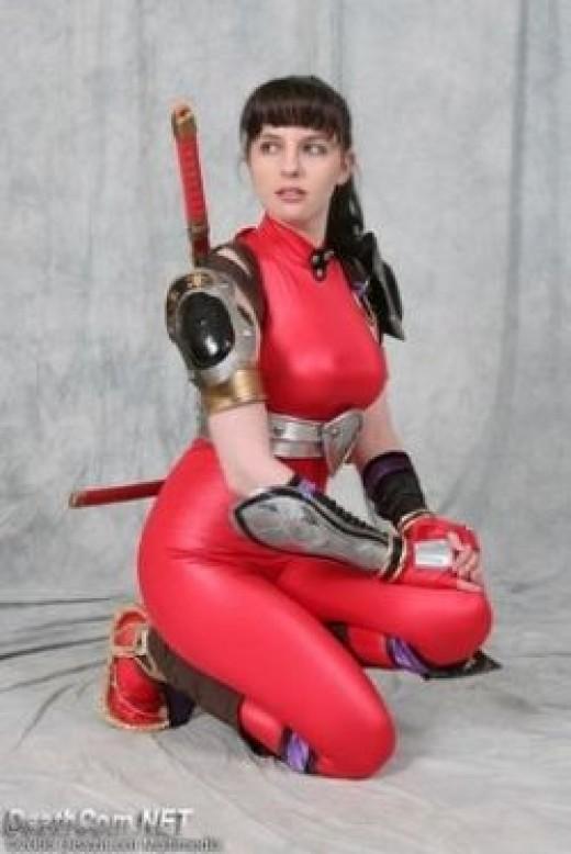 Image Source : http://geracaon64.blogspot.com/2010/11/cosplay-soul-calibur.html