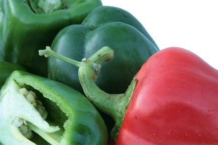 red-and-gree-bell-peppers-close-up