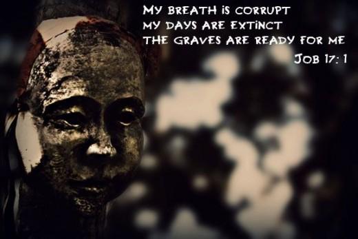 creepy-saying-and-creepy-mask