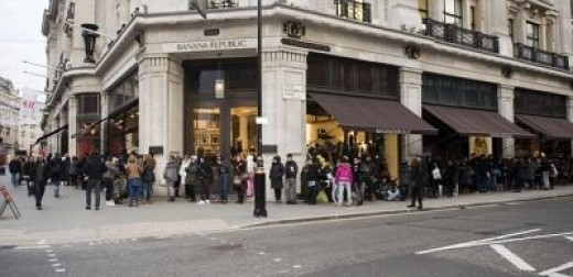 People queue outside H&M in London for a piece of Lavin