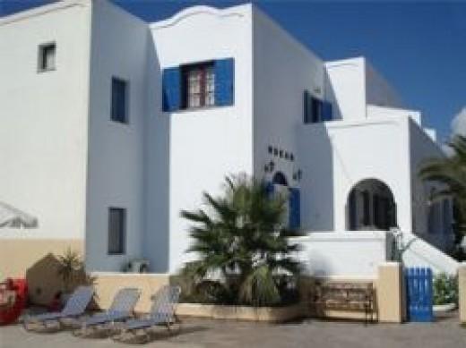 cheap beach hotel santorini