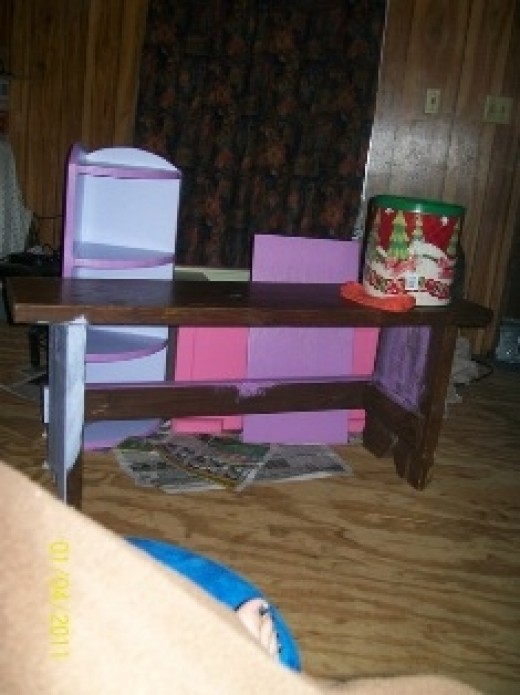 An Old Wooden Bench to Paint in Girly Girl Styles