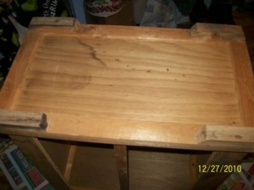 Painting Wood Furniture: Fish Tank Bottom