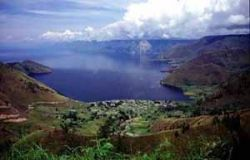 Lake Toba in Sumatra, Indonesia fills the massive Toba caldera (Source: USGS, A.M. & K.D. Hollitzer)