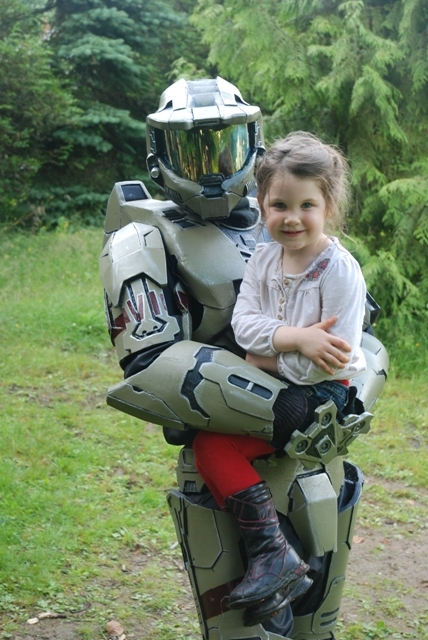 Once she saw the friendly face she wanted to be picked up, carted around, and maybe pose for some photos. What fun!