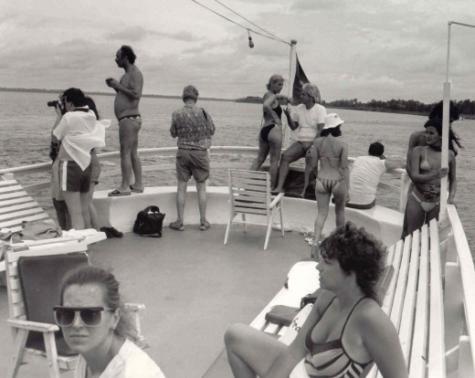 There was plenty of room for all on the boat's aft deck. The group included Brazilians, Americans, Italians and Canadians, as I recall.