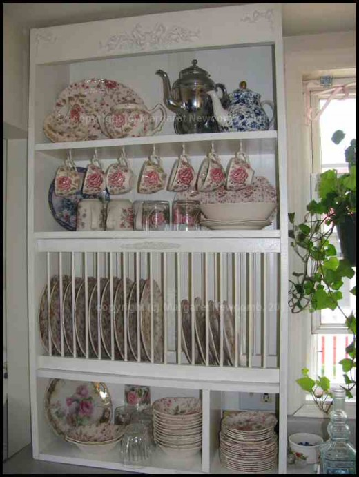 Fill up your plate rack with all your pretties.