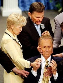 The Copeland's Praying Over Oral Roberts