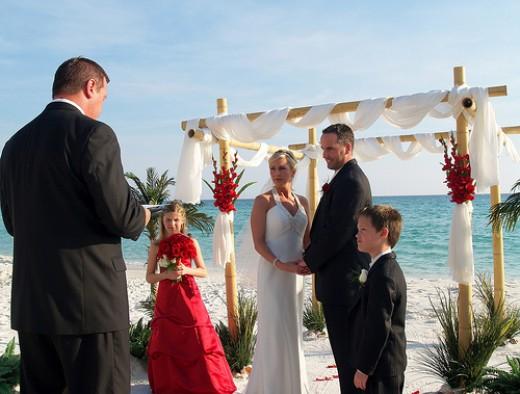 Great Beach Wedding Photos Ideas For Your Beach Wedding