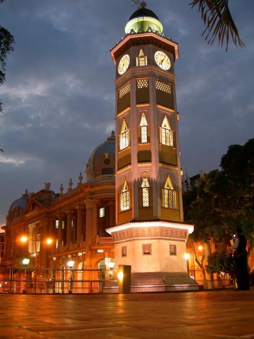 Torre del reloj!!! en el malecon 2000!! architecture at a glance!!!!
