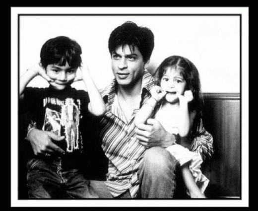 Shah Rukh with his kids.