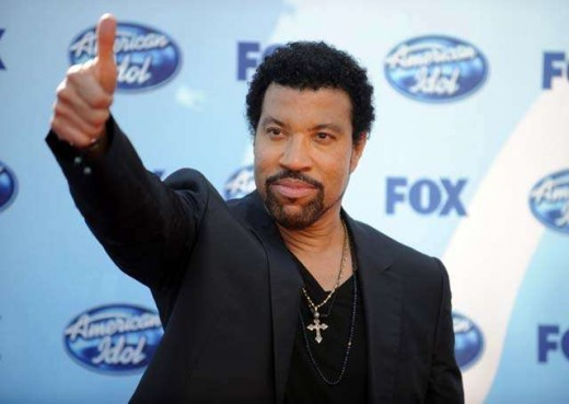 Lionel Richie looking nothing like he is 60 years old.