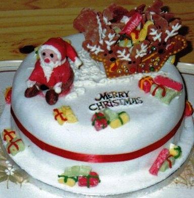 Santa Sleigh Christmas Cake