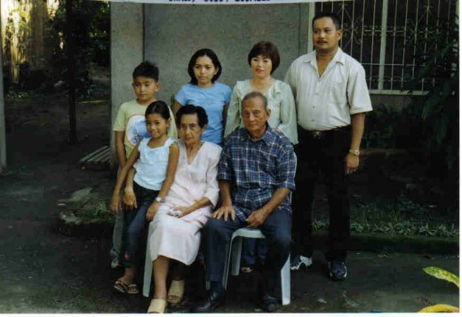 the 6th child, daughter with family
