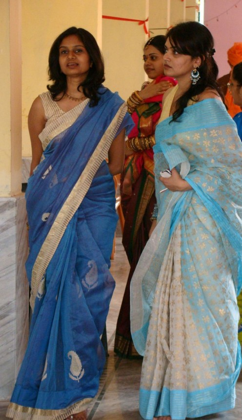 saree wearing non celebs