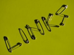 links, web, internet, safety pins, green, words