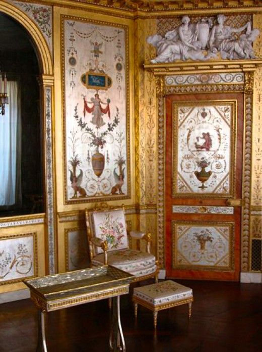 The bedroom of Marie Antoinette.
