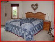 http://quiltlifedesigns.blogspot.com/2011/05/blue-jeans-quilt.html