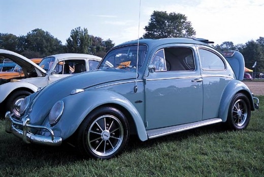 1962 VW BUG  http://www.vwtrendsweb.com/events/0204vwt_cincinnati_vw_porsche_club_family_reunion/photo_06.html