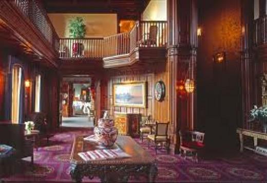 Ashford Inside: Beautiful with an old yet modern feeling - www.hammondtours.com