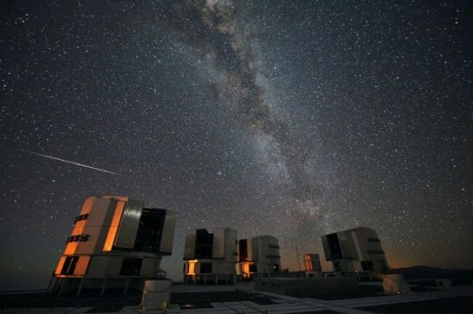 2010 Perseids over the VLT