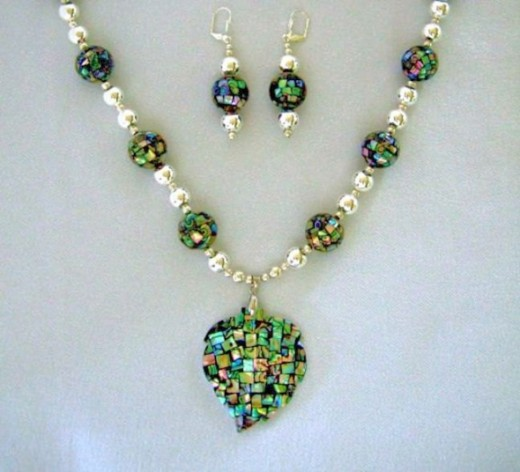 Abalone Shell Pendant with Earringswww.JewelrybyIshi.etsy.com
