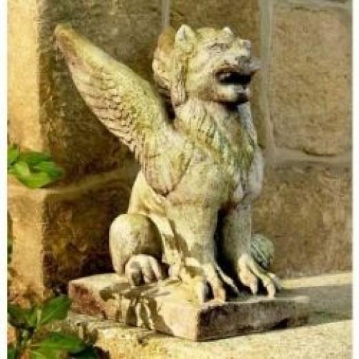 Gargoyle Griffin Statue