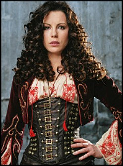 Cosplaying Anna Valerious from Van Helsing