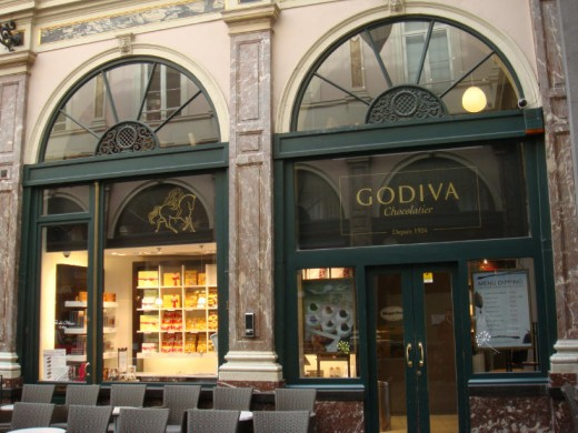 Godiva, very close to Neuhaus, also in Galeries St. Hubert