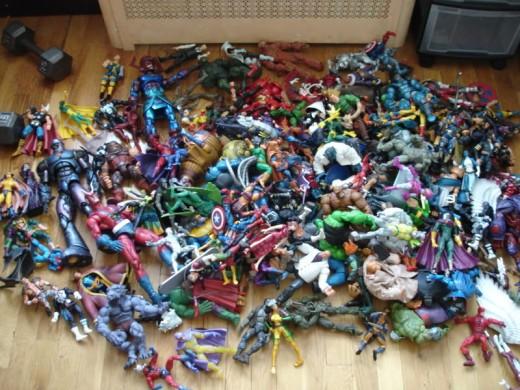 Marvel Toys In The Aquarium Décor
