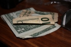 Best Ways to earn better tips waiting tables