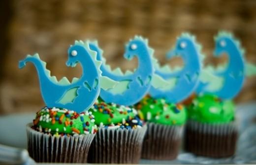 Cricut cake cupcake idea