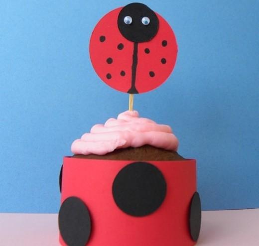 Ladybug cupcake topper wrap